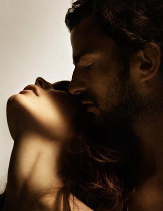 Женщина может быть удовлетворена единственной любовью.